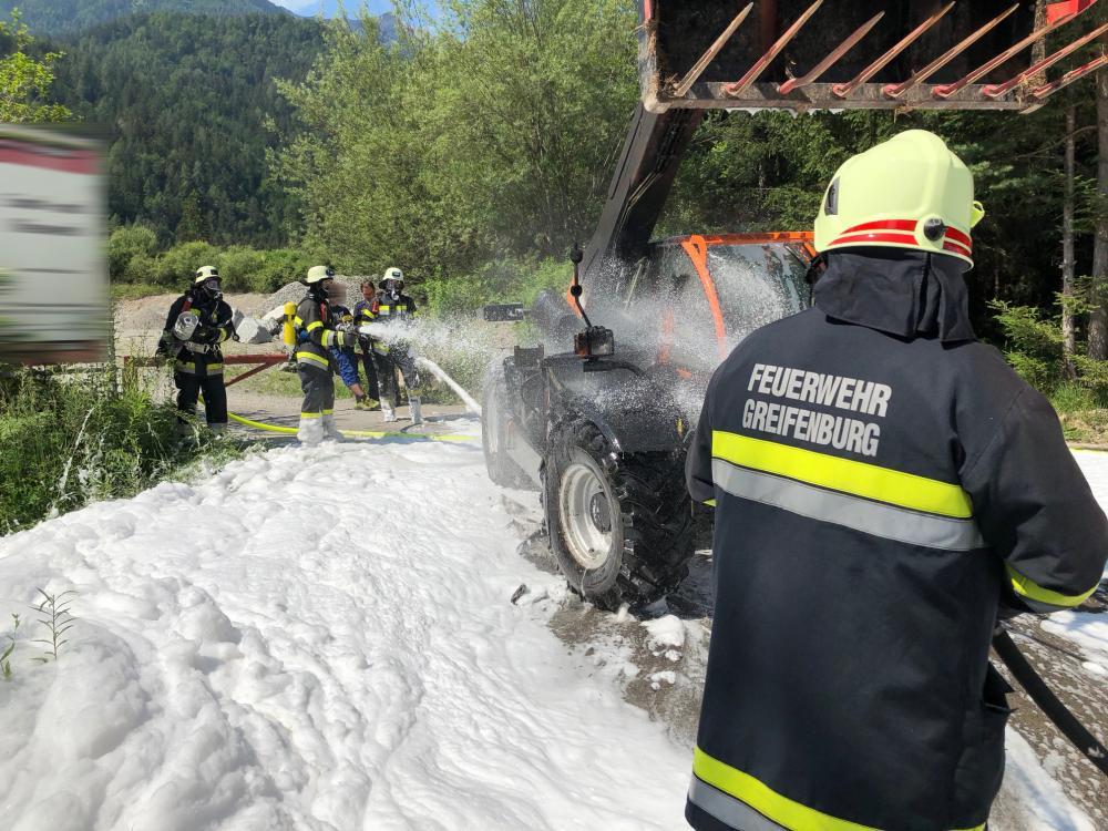 Laderbrand in Schottergrube